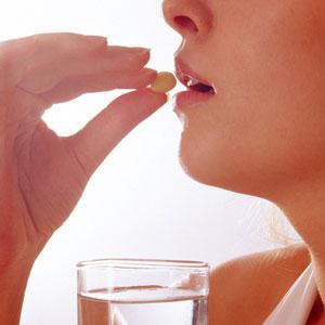 但专家们提出:年龄大的女性不适宜服用避孕药