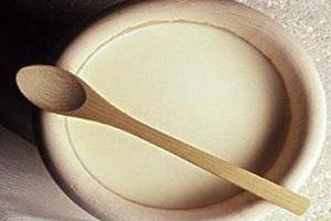安全 减肥法/6、豆奶减肥法早餐:一瓶豆奶或冲一包无糖豆奶+1个水果。